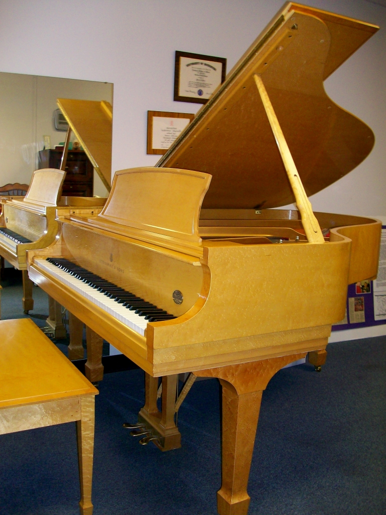 Rare Birds Eye Maple Quot Crowne Jewel Quot Steinway Amp Sons Model L Grand My Perfect Piano Founded By